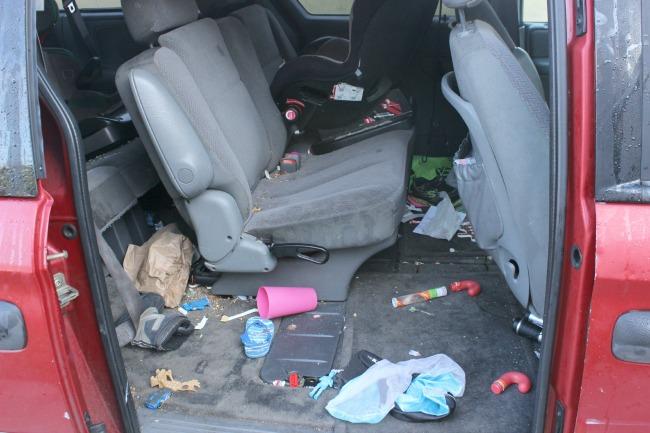 messy-minivan